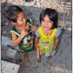 Radovedeni pogledi na otoku Koh Rong. - Kambodža