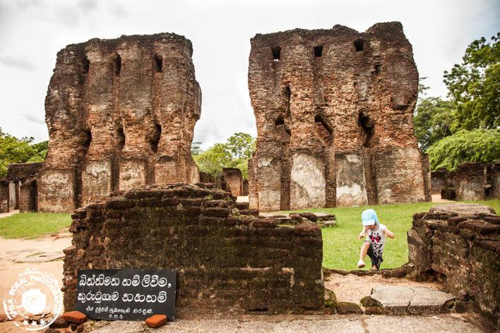 Srilanka-Polonnaware-5214