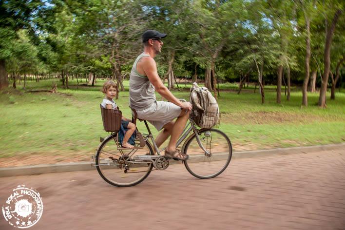 ŠriLanka ogled zgodovinskega mesteca Polonnaware, kar s kolesom. :)