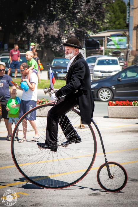 Starodobni kolesarji v Škofji Loki