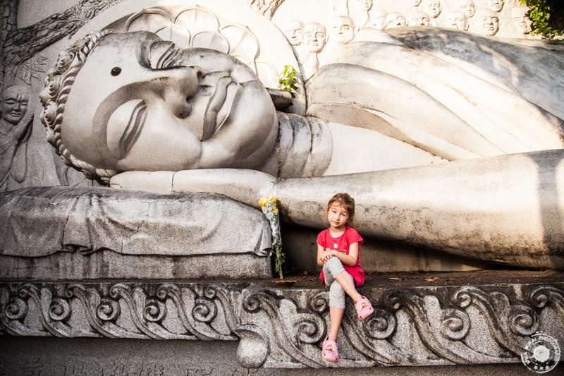 Long Son Pagoda – BIG BUDDHA STATUE - nekje v sredini smo našli veliko ležečo Budo
