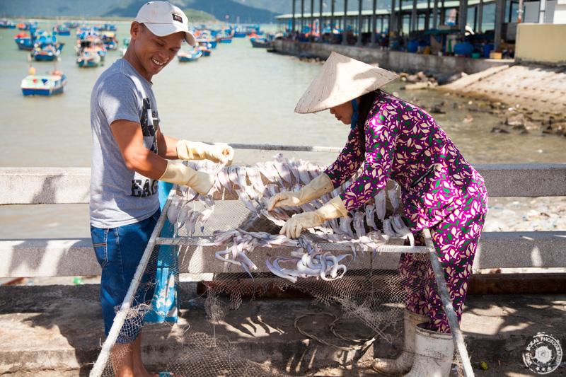 Sušenje rib v bližini Nha Tranga