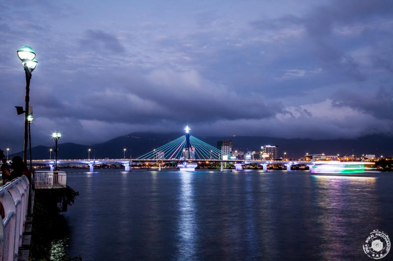 Da Nang, eden od številnih mostov v mestu Da Nang