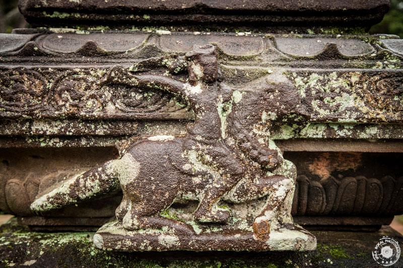 Izklesane podobe na hindujskih templjih My Son