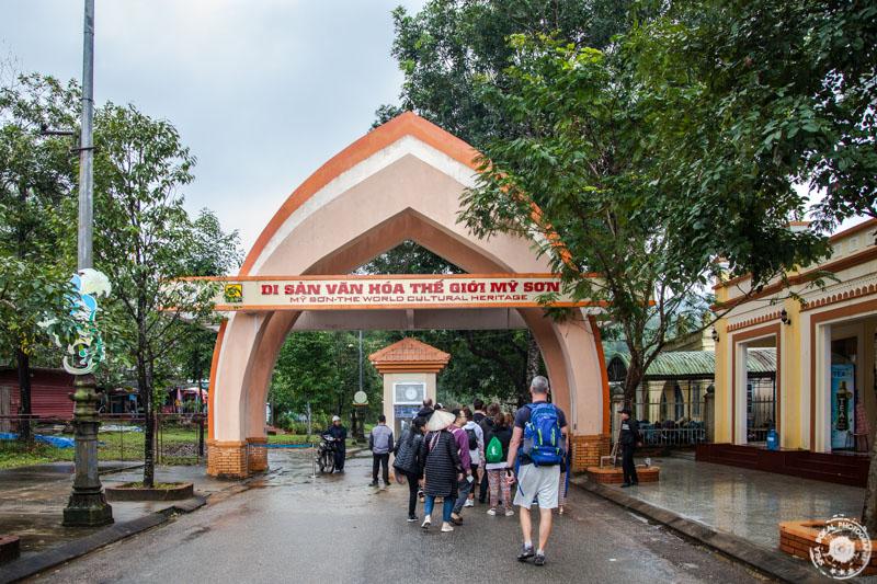 Vhod v hindujski My Son