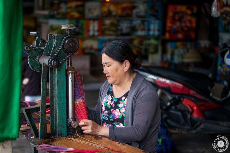 Dišeče palčke / kadila v vasi Thuy Xuan