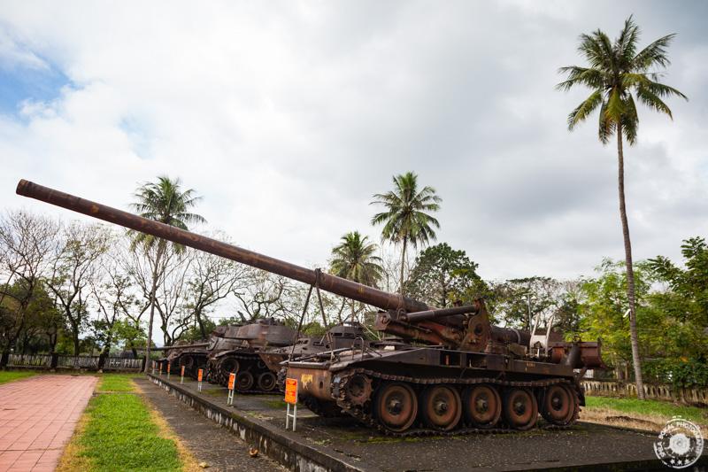 Ostanki ameriške vojske znotraj straega mestnega obzidja Hue-ja.
