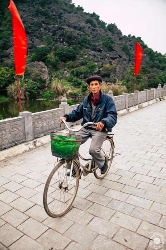 Vhod v Hoa Lu starodavno mesto, ki je bilo gospodarsko in politično središče Dai Co Vieta, kraljevine, zdaj severni Vietnam v 10. in 11. stoletju.