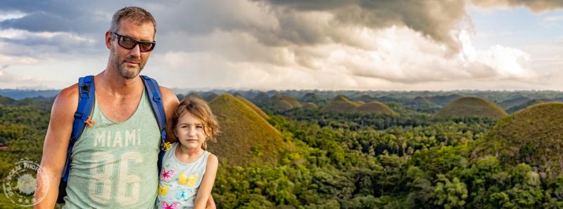 Filipini-Bohol-by-bike-FSB-Cocolate_hills_2